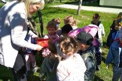 Grupę Leśnych skrzatów odwiedzają ślimaki
