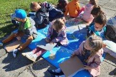 Plener, ołówek i dziecięca wyobraźnia - Rysujemy drzewa - grupa VI